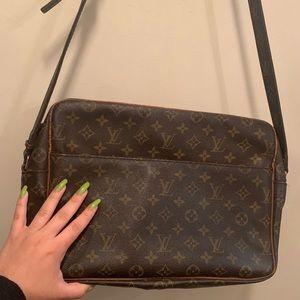 80s Louis Vuitton monogram crossbody messenger bag